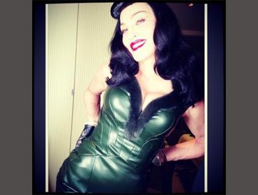 Instagram «завернул» слишком откровенные фотографии Мадонны