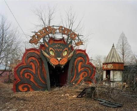Заброшенные парки развлечения. Красивые и ужасные.