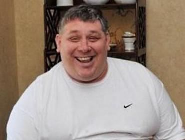 Американец пошел под суд за громкий смех