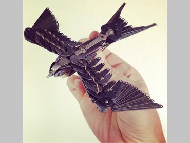 Делаем сами: птица из печатной машинки