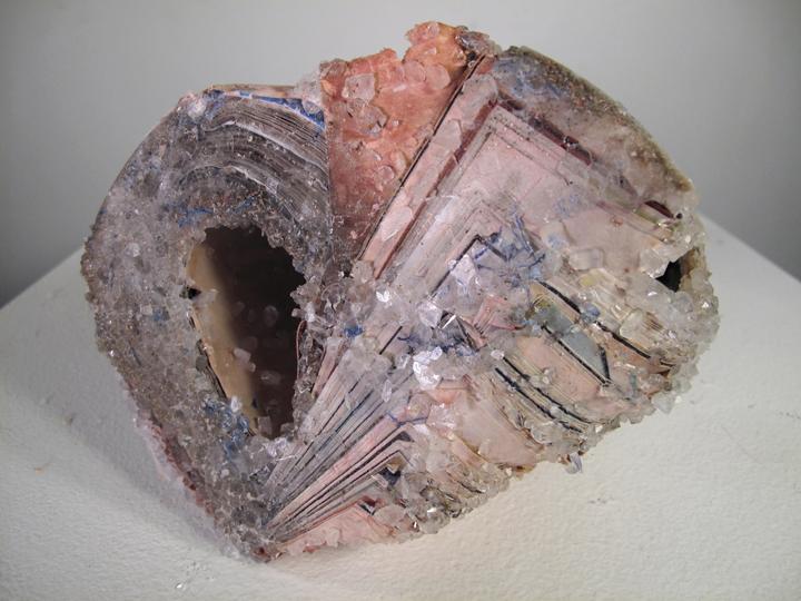 Книги-кристаллы от Алексис Арнольд
