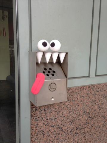 Улицы Торонто заполонили монстры