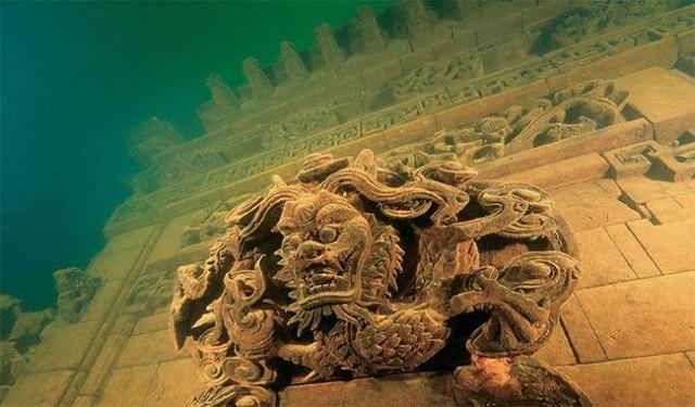 Подводный город в Китае