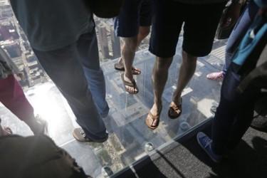 Willis Tower Ledge Cracks