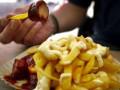 «А в тюрьме сейчас обед… картофель фри…»