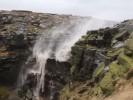 Водопад, который падает вверх