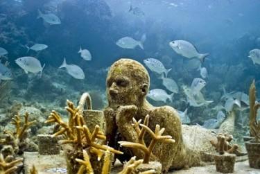 №4. Подводный музей в Канкуне