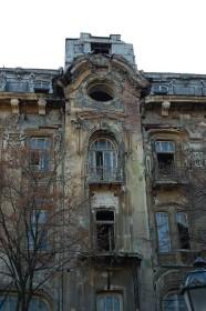 Заброшенный отель в Одессе, Украина. (Фото: Roland Geider)