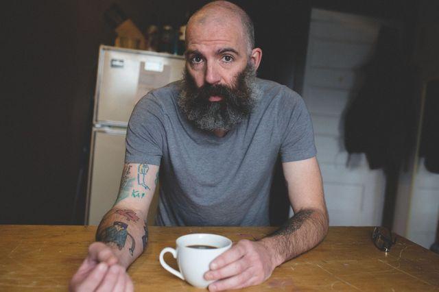 Отец делает татуировки из рисунков своего сына