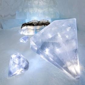 Оригинальная отделка из ледяных бриллиантов