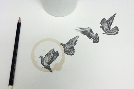 Художник использует пятна от кофе в своих рисунках