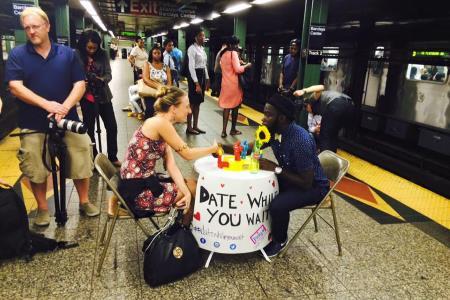 Самый душевный пользователь нью-йоркского метро
