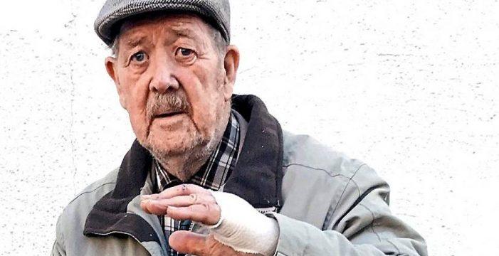 88-летний ветеран защитил девушку от пятерых бандитов
